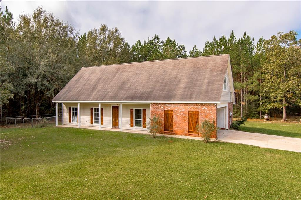 Residential for Active at 26925 LA HWY 441 Holden, Louisiana 70744 United States