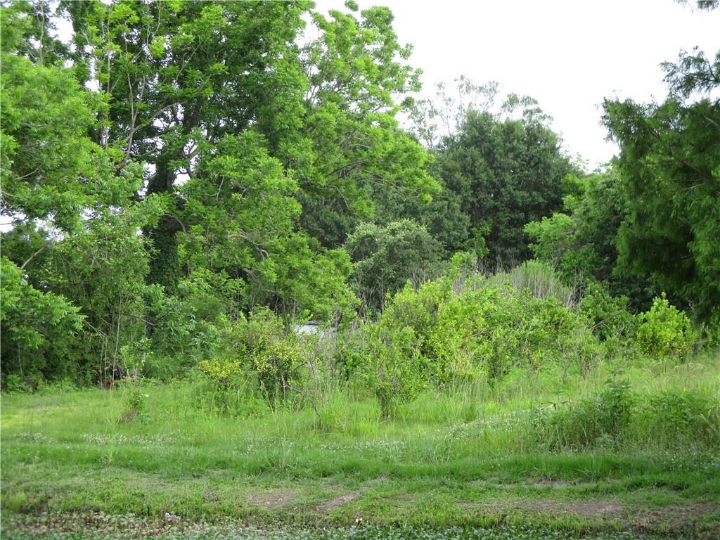 Terreno por un Venta en Tract 1A BAYOU Road St. Bernard, Louisiana 70085 Estados Unidos