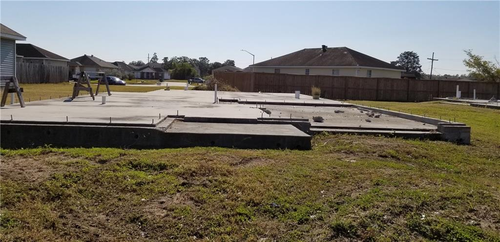 Land for Active at 9333 E CLAIBORNE Parkway Bridge City, Louisiana 70094 United States