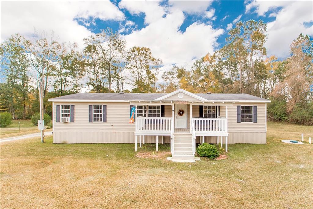 住宅 为 销售 在 14422 W HIGHWAY 1064 Highway Natalbany, 路易斯安那州 70451 美国