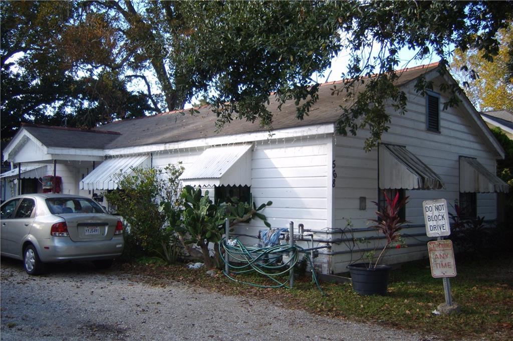 Edificio Residencial por un Venta en 568 CENTRAL Avenue Jefferson, Louisiana 70121 Estados Unidos