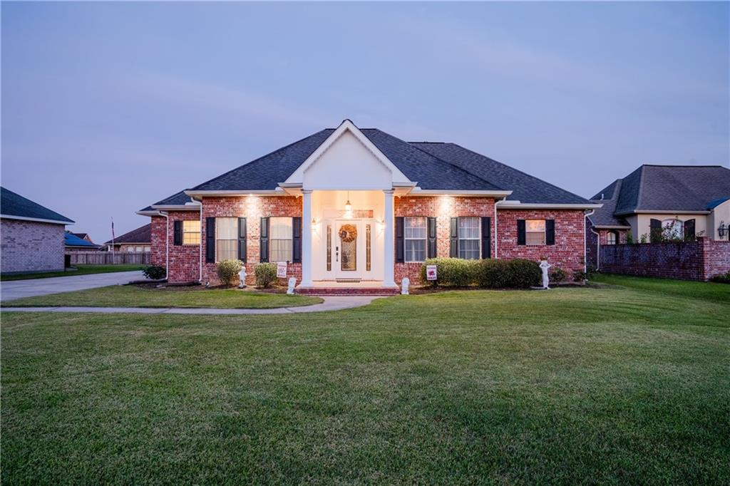 Residential for Active at 18134 RIVER Road Montz, Louisiana 70068 United States