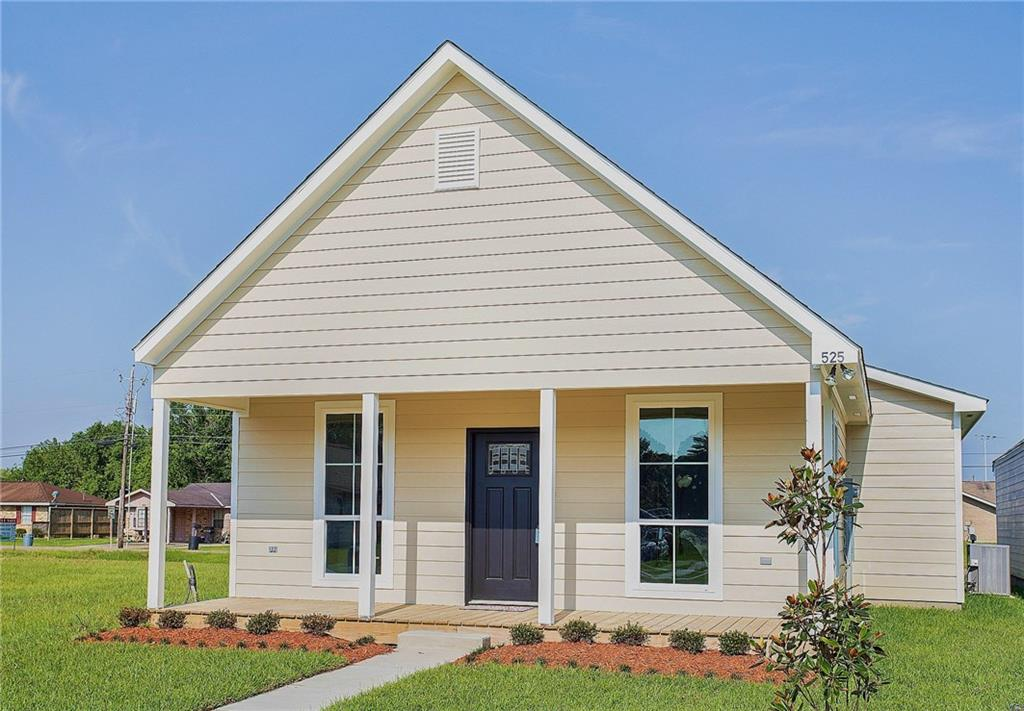 Residencial por un Venta en 525 S IBERVILLE Avenue Gonzales, Louisiana 70737 Estados Unidos
