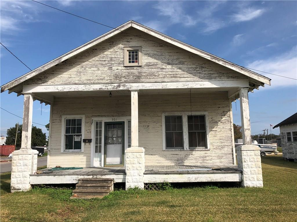 Commercial for Active at 301-305 4TH STREET 4TH Street Westwego, Louisiana 70094 United States