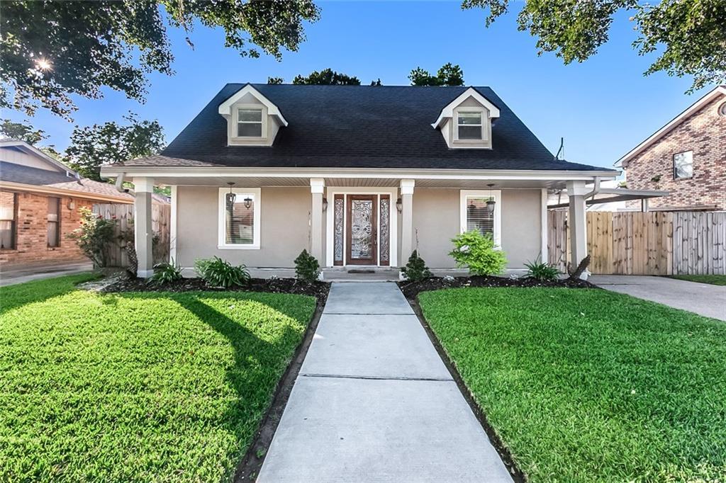 住宅 为 销售 在 3108 ACORN Drive Violet, 路易斯安那州 70092 美国