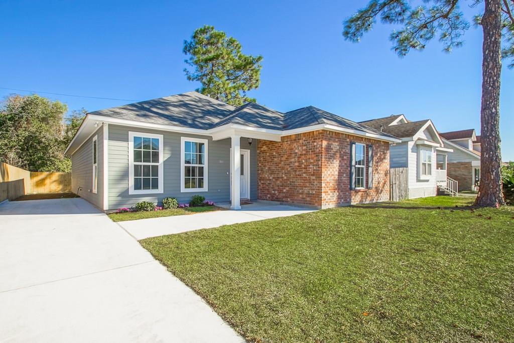 住宅 为 销售 在 4105 NAJOLIA Street Meraux, 路易斯安那州 70075 美国