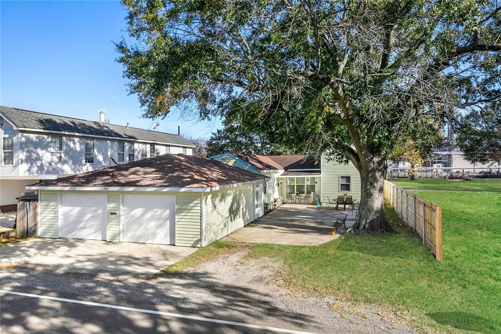 Residencial por un Venta en 450 GOOD HOPE Street Norco, Louisiana 70079 Estados Unidos