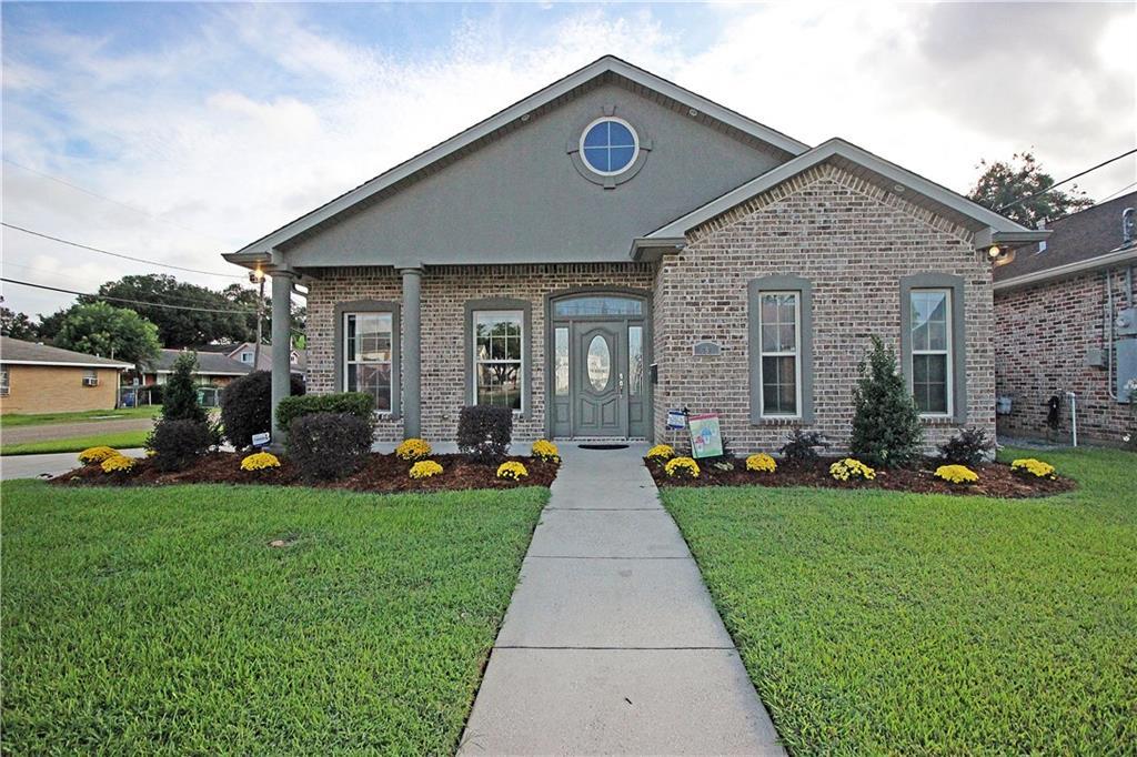 Residencial por un Venta en 699 JEFFERSON HEIGHTS Avenue Jefferson, Louisiana 70121 Estados Unidos
