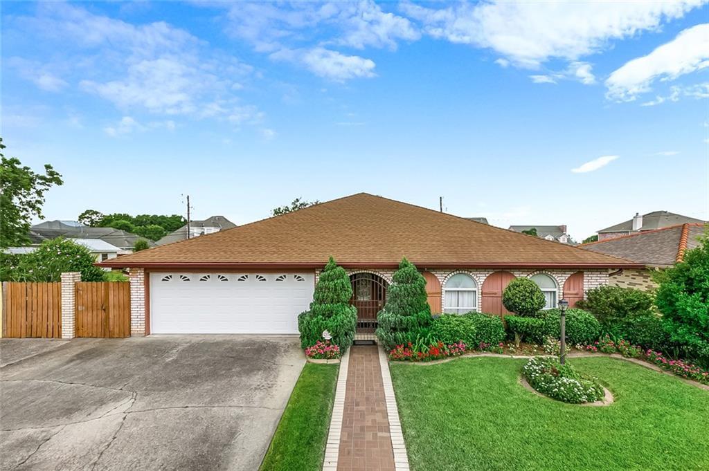 住宅 为 销售 在 2028 VALMAR Street Meraux, 路易斯安那州 70075 美国