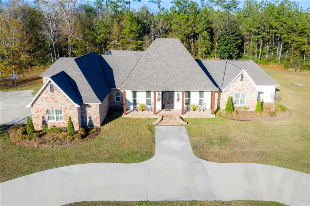 住宅 为 销售 在 65520 S HICKORY Drive Pearl River, 路易斯安那州 70452 美国
