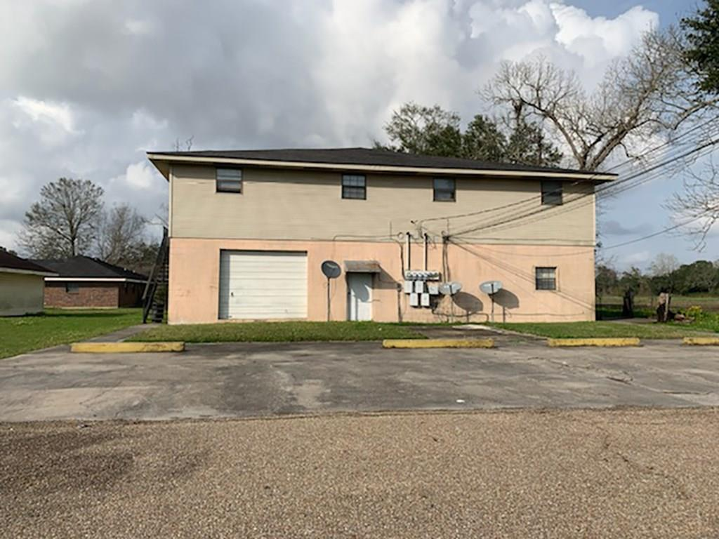 Residential Income for Active at 3864 CLOVIS Lane Vacherie, Louisiana 70090 United States