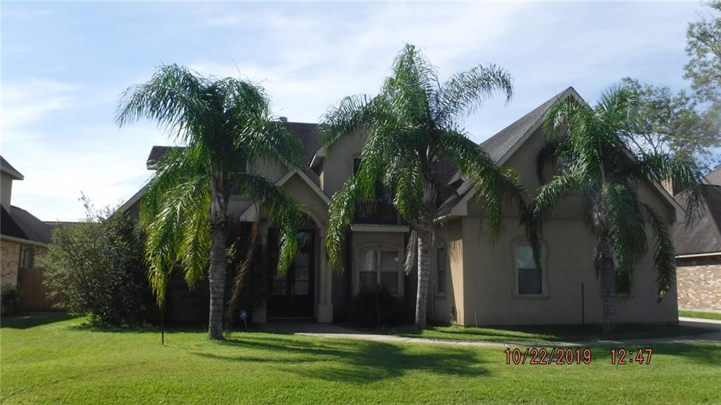 Residencial por un Venta en 103 RIVERWOOD Drive St. Rose, Louisiana 70087 Estados Unidos