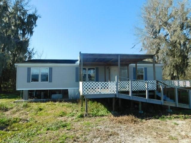 Residencial por un Venta en 698 HIGHWAY 665 Montegut, Louisiana 70377 Estados Unidos
