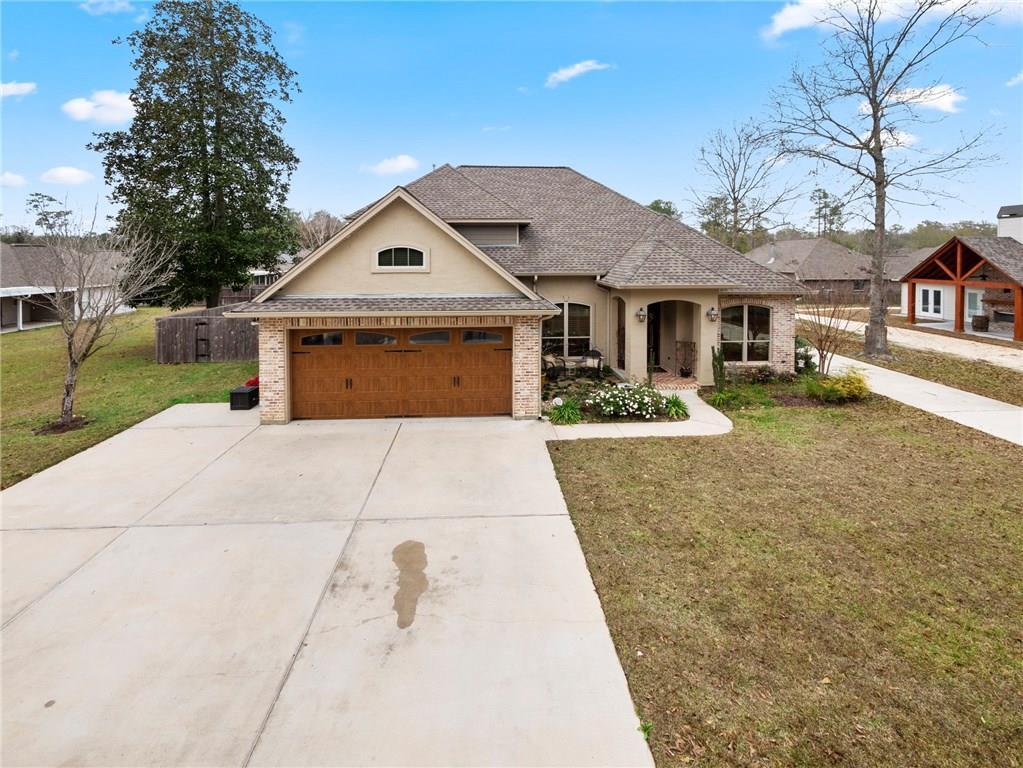 住宅 为 销售 在 39059 ELM Street Pearl River, 路易斯安那州 70452 美国