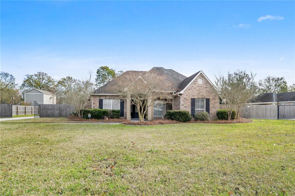Residential for Active at 16476 OLE HOMESTEAD Lane Prairieville, Louisiana 70769 United States