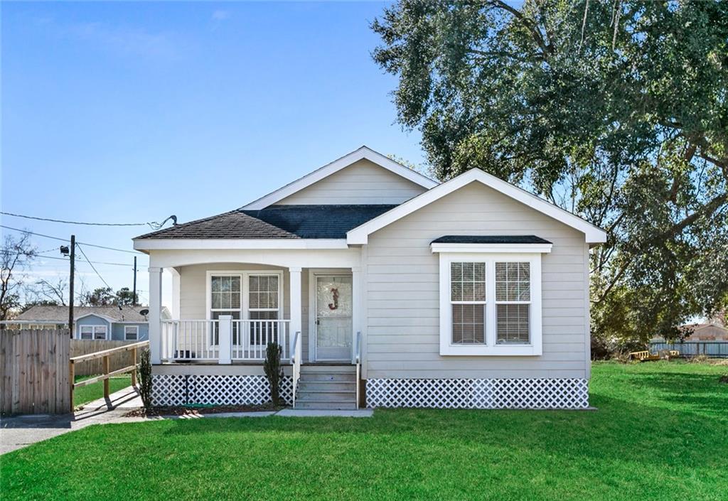 住宅 为 销售 在 2517 FARMSITE Road Violet, 路易斯安那州 70092 美国