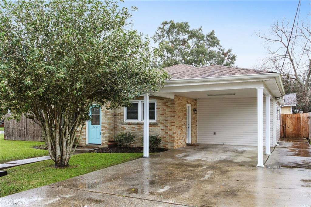 Residencial por un Venta en 501 CLAYTON Drive Norco, Louisiana 70079 Estados Unidos