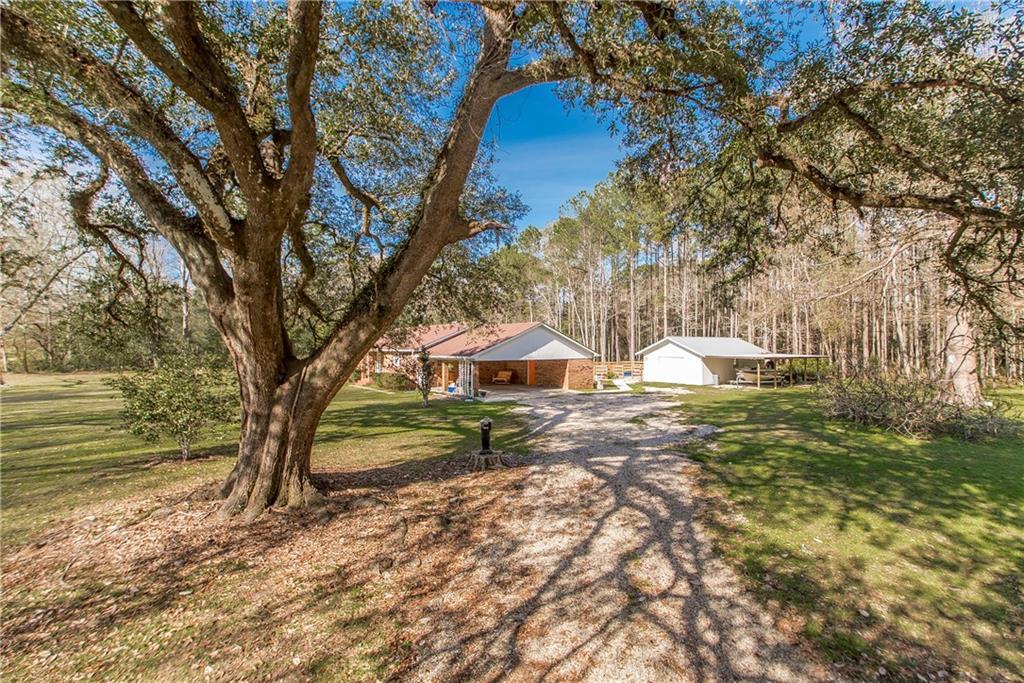 住宅 为 销售 在 12579 NORTH Avenue Roseland, 路易斯安那州 70456 美国