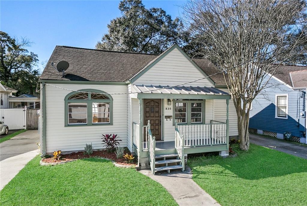 Residencial por un Venta en 830 NEWMAN Avenue Jefferson, Louisiana 70121 Estados Unidos