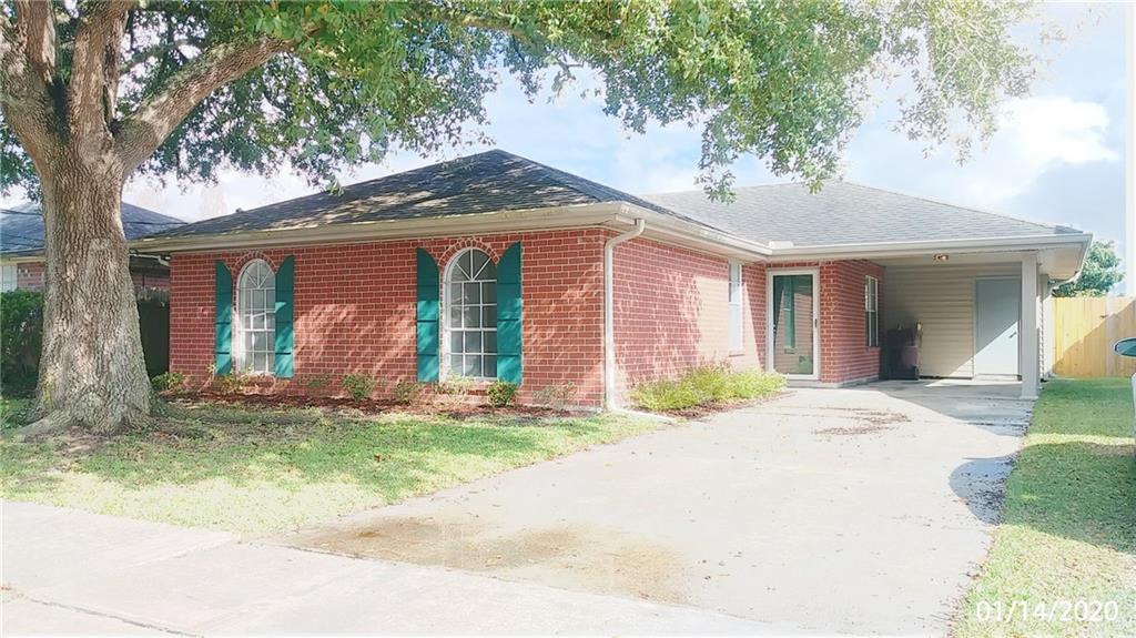 Residencial por un Venta en 143 RIVERVIEW Drive St. Rose, Louisiana 70087 Estados Unidos