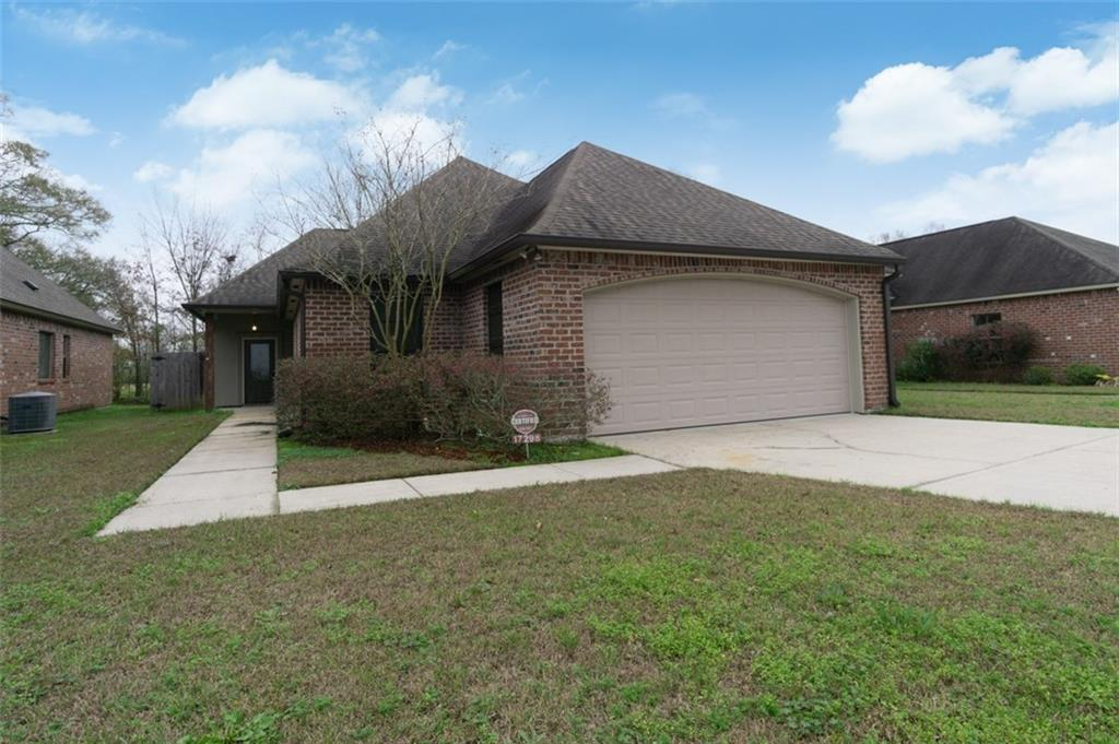 Residential for Active at 17298 WRENWOOD Drive Prairieville, Louisiana 70769 United States