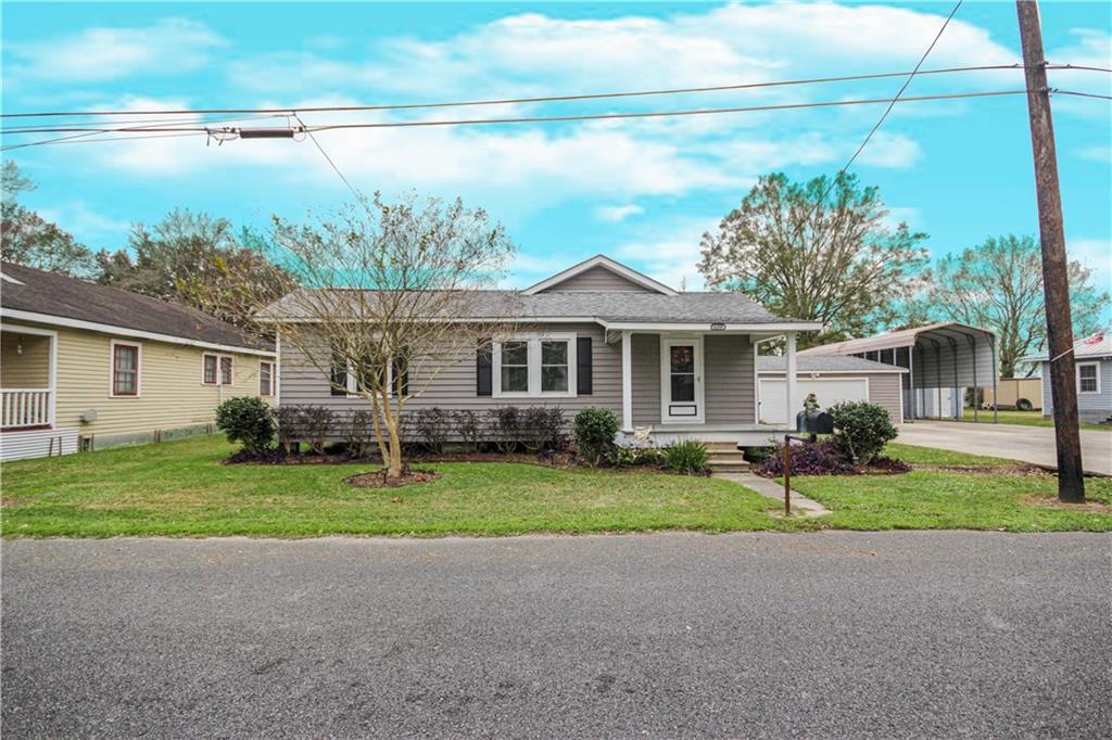 Residencial por un Venta en 124 GOURGUES Street Hahnville, Louisiana 70057 Estados Unidos