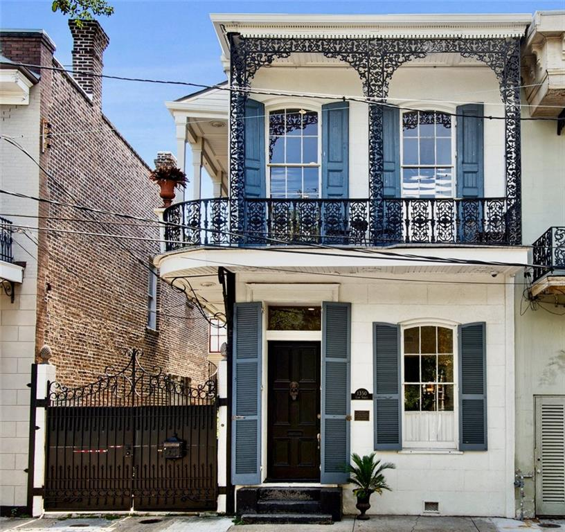 Exquisite restoration of 1850's townhouse on desirable Coliseum Square.  Amazing condo alternative or second home! Convenient to great restaurants, coffee shops, CBD and Magazine Street shopping.  Features updated plumbing, electrical, HVAC, as of 2014, and new 40 year shingle roof as of 2018.  New chef's kitchen.  Home audio, slate patio with fountain.  Gated parking for two cars.  Property is now vacant and easy to show.  Photos are prior to owners vacating the home.