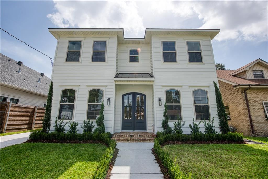 Sleek, Stylish Fully Custom in the heart of Metairie~ This elegant build boasts everything you could only dream of in a home. Downstairs features wood floors, quartzite countertops throughout, dry bar, large walk-in pantry, alluring fixtures, Modern kitchen with upscale appliances, office, and upstairs bonus room. The perfect house for​​‌​​​​‌​​‌‌​‌‌​​‌​​​‌​​​​‌‌​‌‌‌ entertaining!