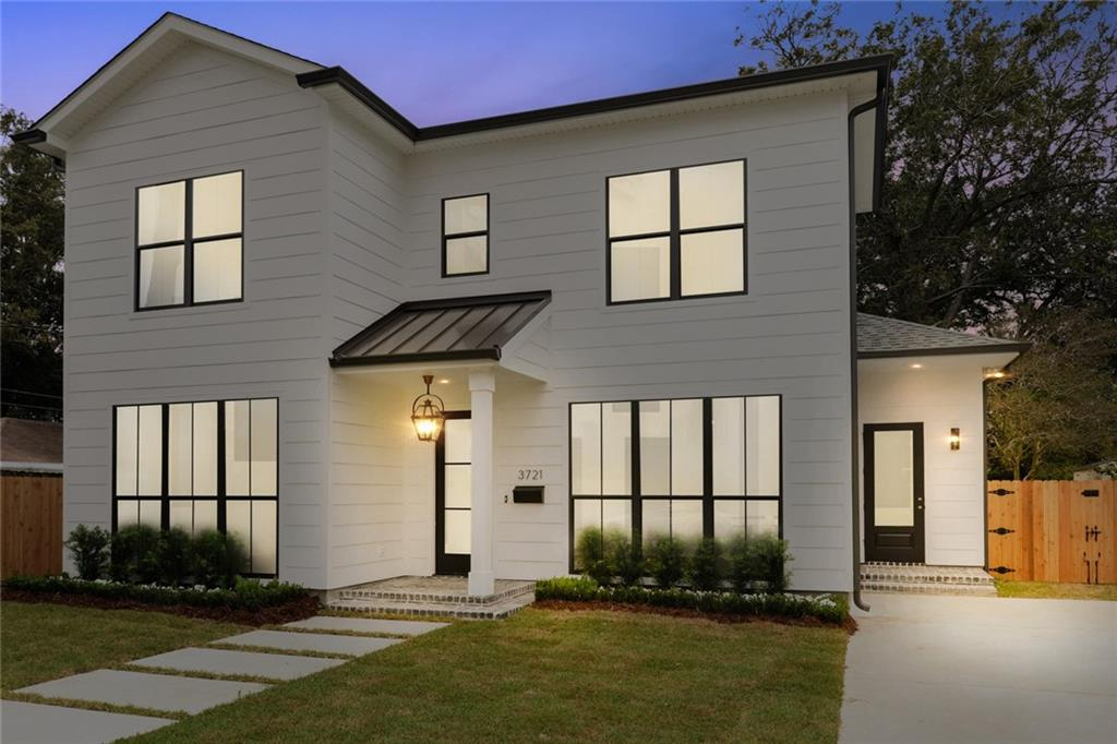 This majestic new construction sits comfortably on an enormous and peacefully quiet lot 200 feet deep! Standing in the yard you forget there's a city nearby. Nestled in a Cozy, friendly and safe area this home is mins from Metairie rd,lake front, downtown,airport,mall,post Offc and banks. The home boasts 10' ceilings, sleek crown moulding, and master suite down.Lrg bonus rm could be 4thBdrm/offic/playrm/man caveand walk in attic.Trane A/H.Foam insulation.White marble countertops on all wood cabinets through