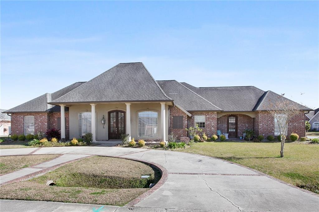 Unmatched quality and a Luling address that is second to none!  You must experience this striking 3,245sf Acadian attraction.  This home has all the amenities you've been looking for - gourmet kitchen with quartz countertops, new laminate floors, home is tastefully painted with soft hues, inviting primary suite with updated ensuite and a family room that overlooks the sparkling inground salt water pool with  new pool enclosure.  A piece of Paradise occupying a large corner lot with rear yard access!