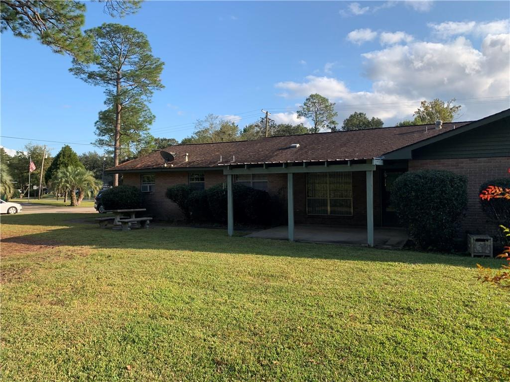 218 COUNTRY CLUB Boulevard, Slidell, Louisiana 70458, 4 Bedrooms Bedrooms, 9 Rooms Rooms,2 BathroomsBathrooms,Residential Lease,For Rent,218 COUNTRY CLUB Boulevard,2284184