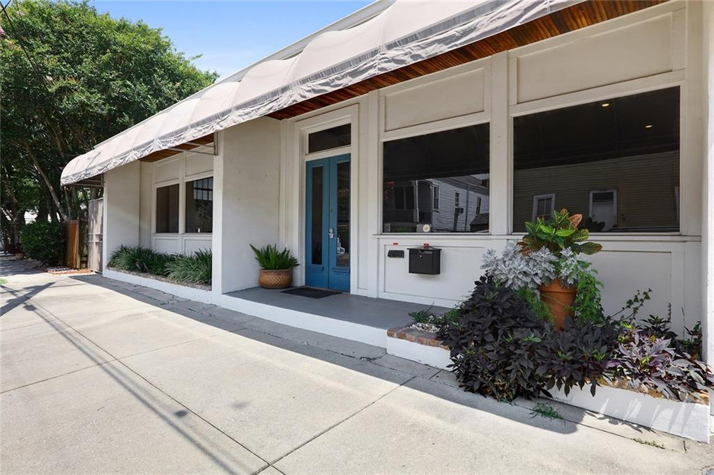 4011 BARONNE Street B, New Orleans, Louisiana 70115, 1 Room Rooms,Commercial Lease,For Rent,4011 BARONNE Street B,2284192