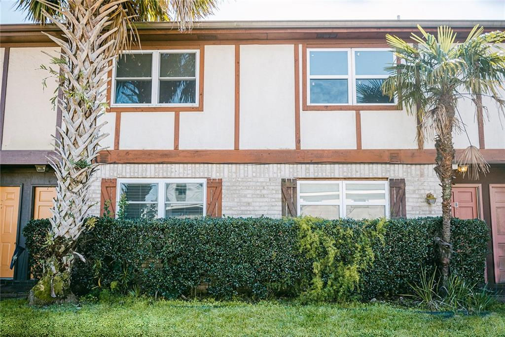 217 CLEARVIEW Parkway D, Metairie, Louisiana 70001, 2 Bedrooms Bedrooms, ,1 BathroomBathrooms,Residential Lease,For Rent,217 CLEARVIEW Parkway D,2284199