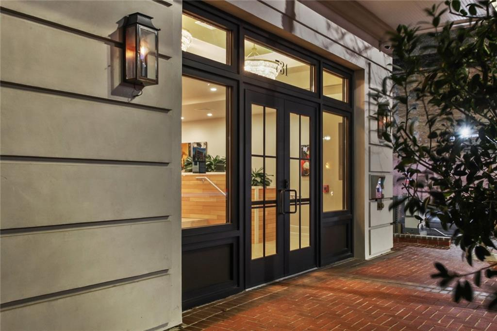 731 ST CHARLES Avenue 311, New Orleans, Louisiana 70130, 2 Bedrooms Bedrooms, 4 Rooms Rooms,2 BathroomsBathrooms,Residential,For Sale,731 ST CHARLES Avenue 311,2284226