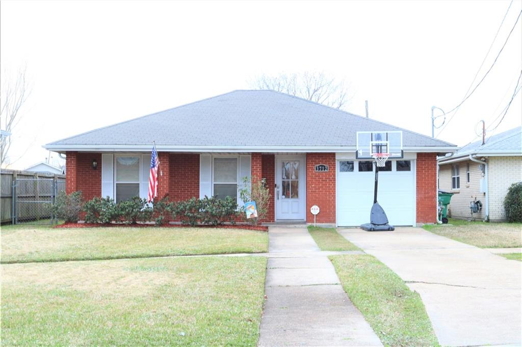 Beautiful 3 Bedroom/2 Bath home in the HEART of Metairie! Open Floor Plan, Large Bedrooms and an attached garage. Great Outdoor Space! Get in this home just in time for Crawfish Boils! Flood Insurance only $420!!