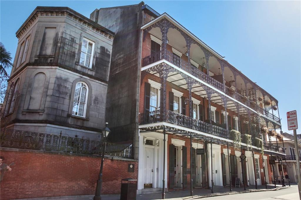 Luxurious jewel box pied-a-terre studio.  Live in one of the most desirable blocks of the French Quarter. Three sets of French doors open on to a semi private third floor balcony overlooking the spectacular Cafe Amelie courtyard.  Completely renovated in 2014 with new French doors, windows and shutters offering loads of natural light.  New HVAC, electrical and plumbing.
