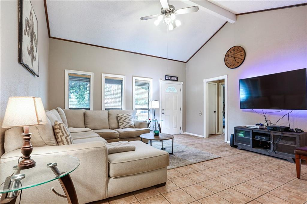 571 FOREST Loop