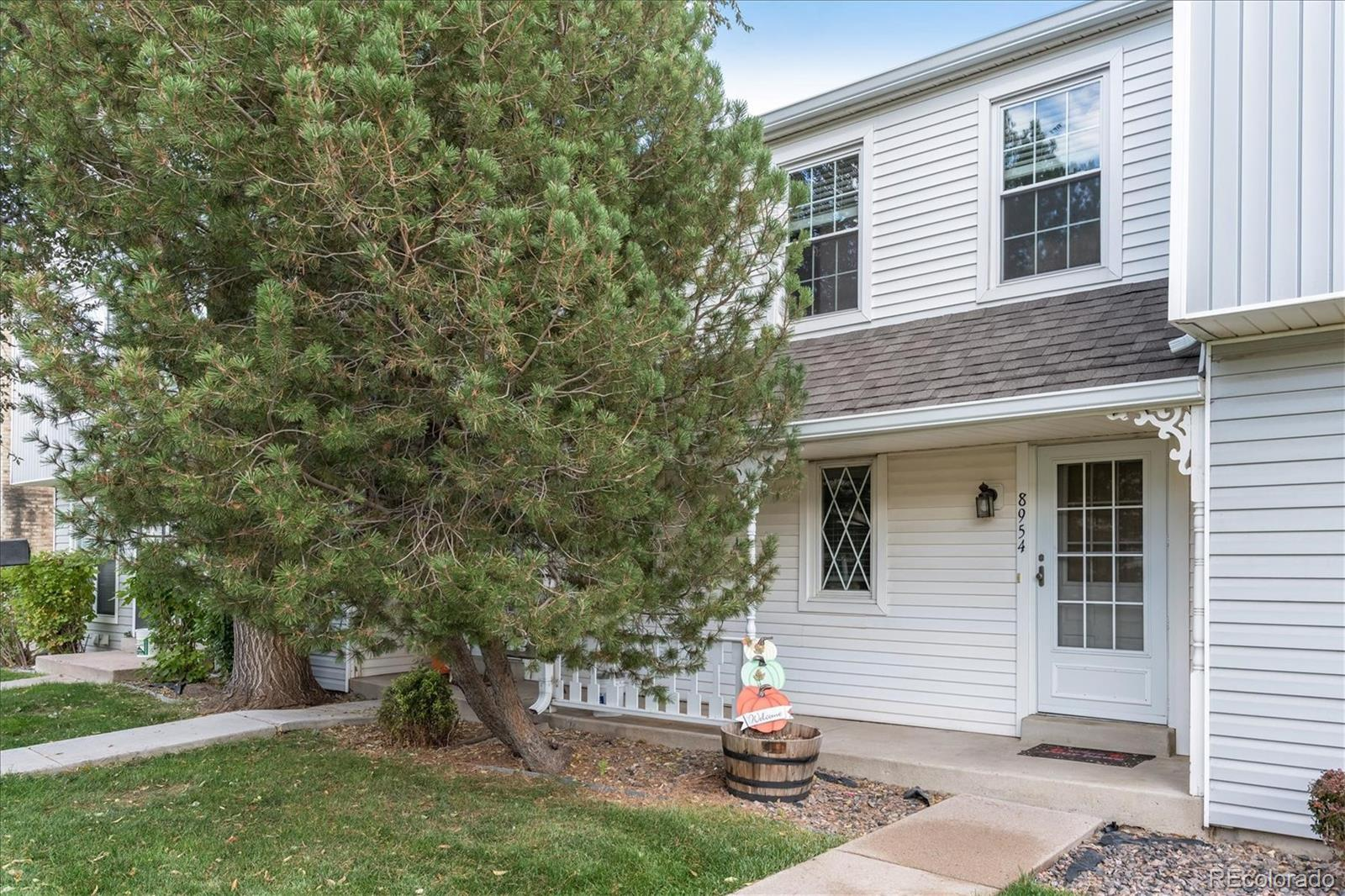 8954 W Dartmouth Place, Lakewood, CO 80227