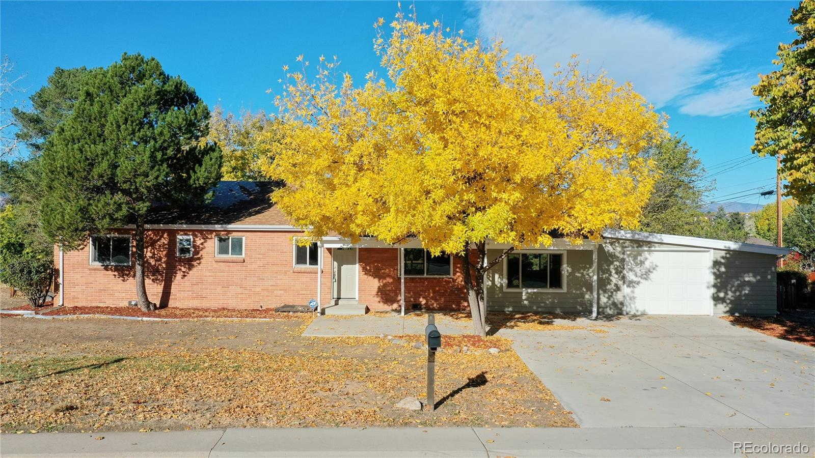 10325 W 13th Place, Lakewood, CO 80215