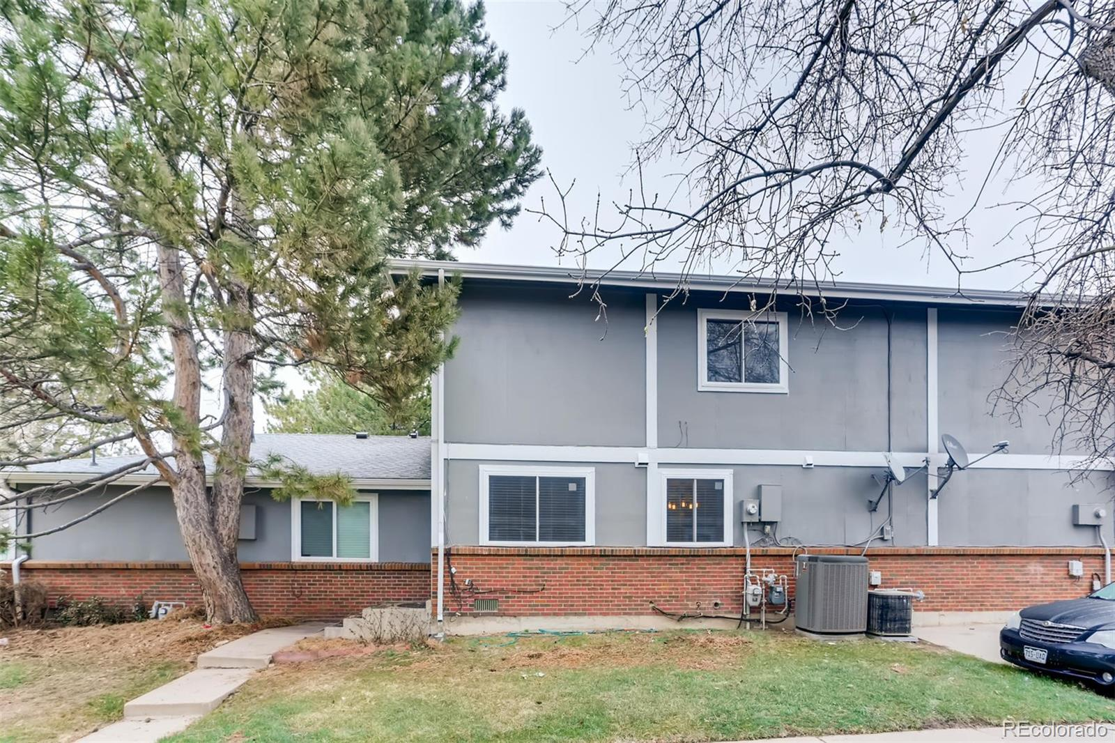 This 2 bed/1 bath townhome is perfectly remodeled!  Updated within the last few years - flooring, countertops, cabinets, appliances, windows and all bathrooms!  Located in a quaint area that is close to I-225, shopping, parks and trails.  If you are looking at a perfectly move-in ready home - this is it!  Do not wait, or you may lose out!