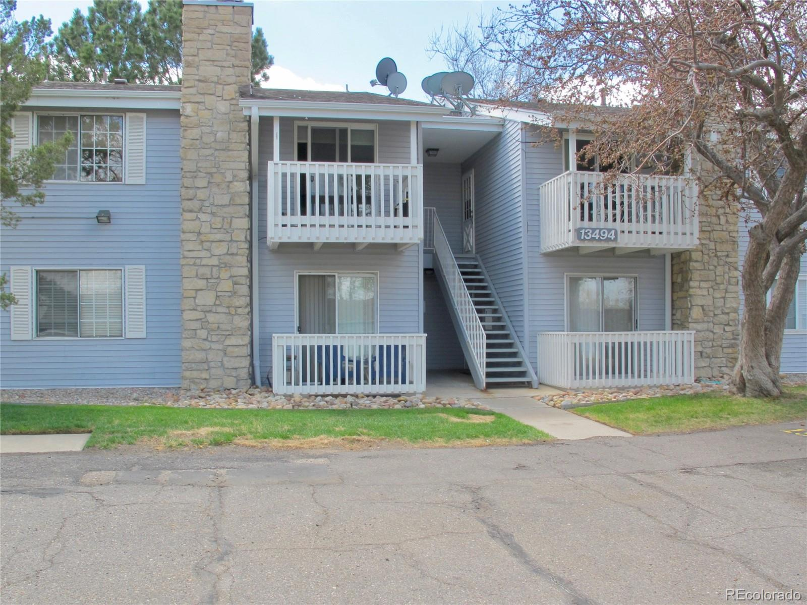 Well maintained 2 bedroom/2 bathroom condo in Brandychase complex. Tons of closet space in bedrooms. Nice kitchen with dining area and plenty of cabinets. Enjoy the second floor balcony in the summer and the cozy fireplace in the winter. Newer carpet and updated bathrooms. Across from walking/ bike path. Close to I-225, Light Rail, golf courses, parks, shopping and great restaurants. Cherry Creek school district. ***One year Home Owner Warranty Plan from 2-10 Home Warranty provided to buyer.***