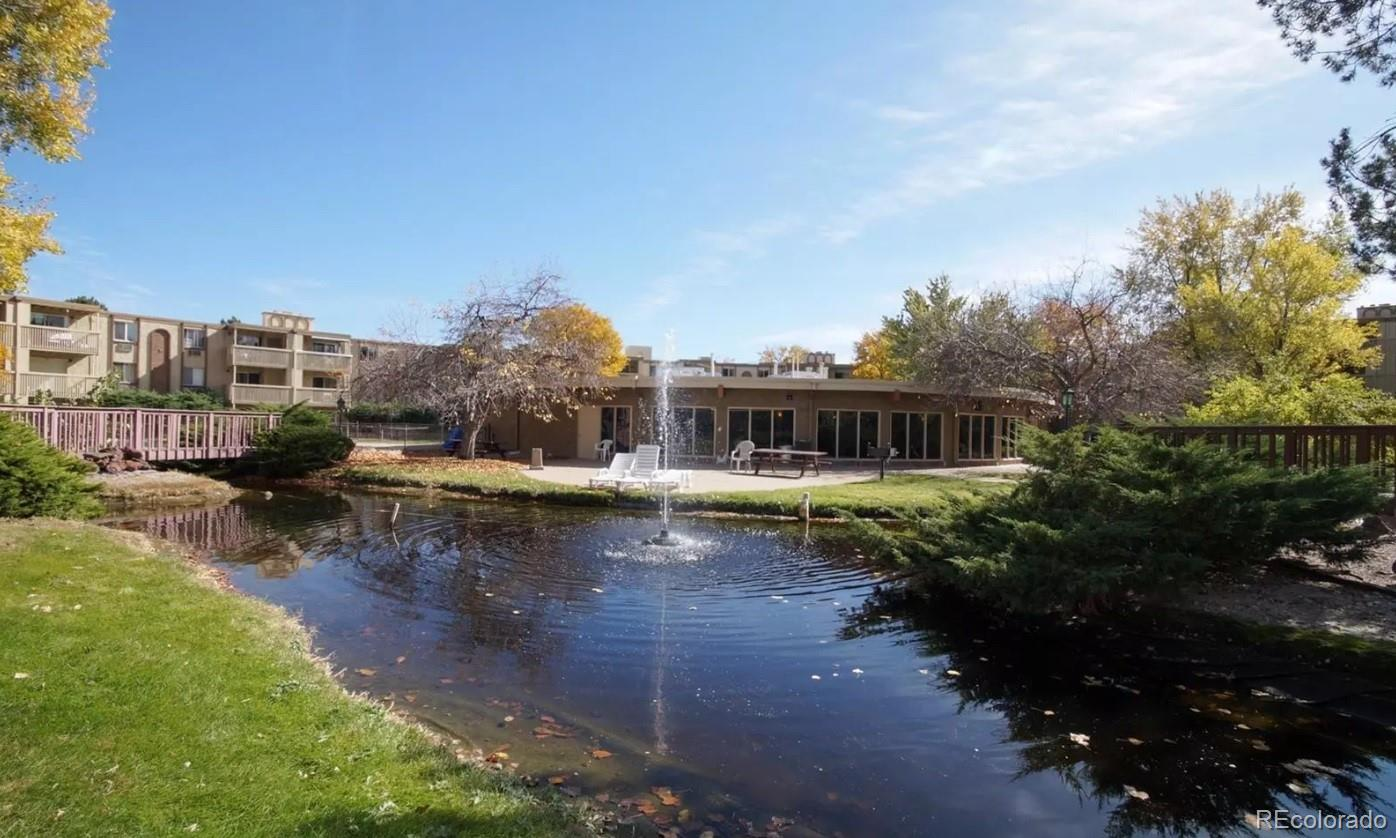 One Bedroom Condo in Club Valencia.  Ideal investment property!  Great location, just minutes to Cherry Creek, and Havana Gardens,  walking distance to High-line canal.  The HOA amenities include indoor/outdoor pool, sauna, tennis courts, fitness club. Located in the Cherry Creek School district.