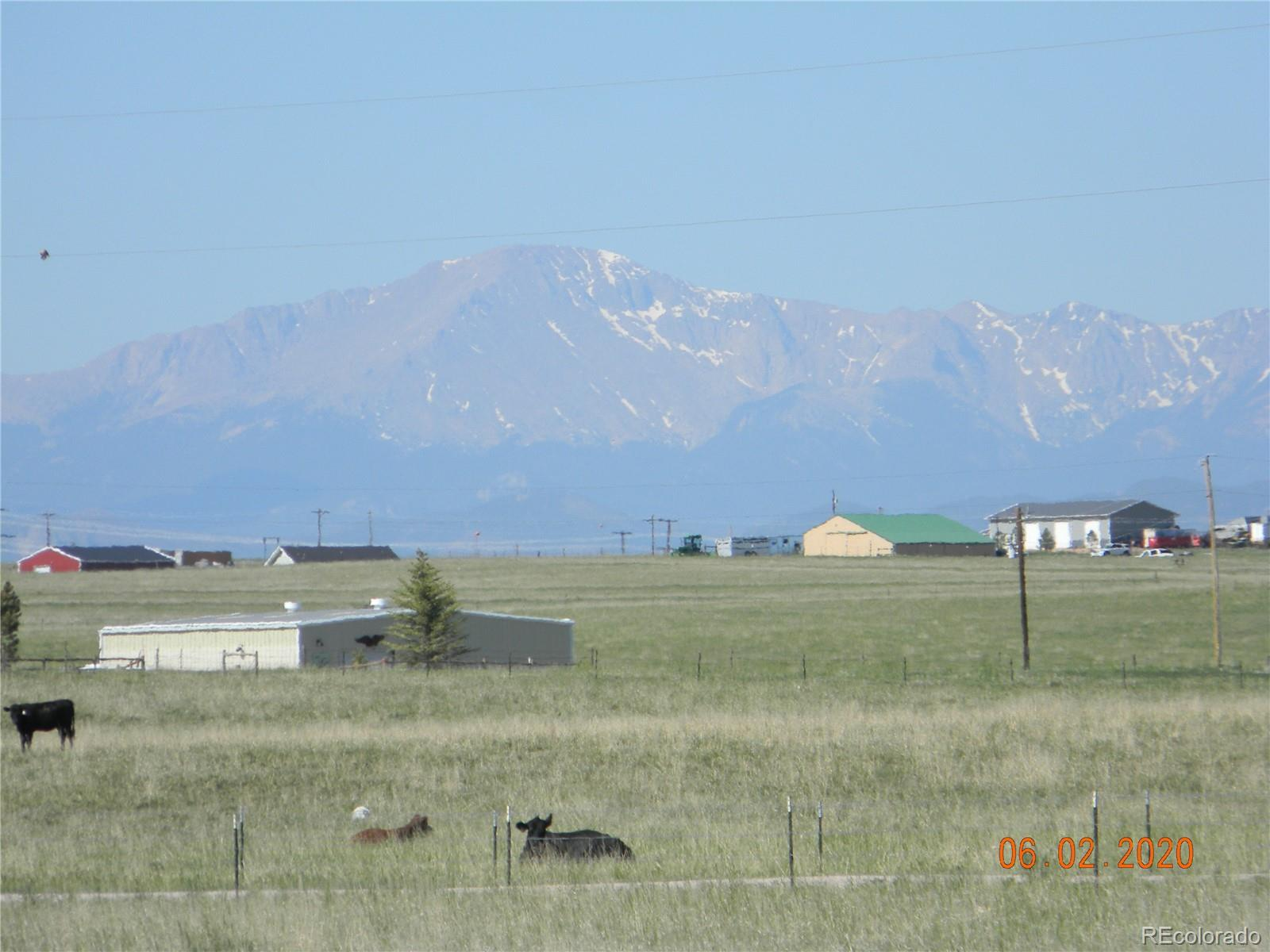 Super nice 400 acres. Can be subdivided into 35's. Ponds. Domestic well. Excellent grass pasture, fenced. Good views. Close in.