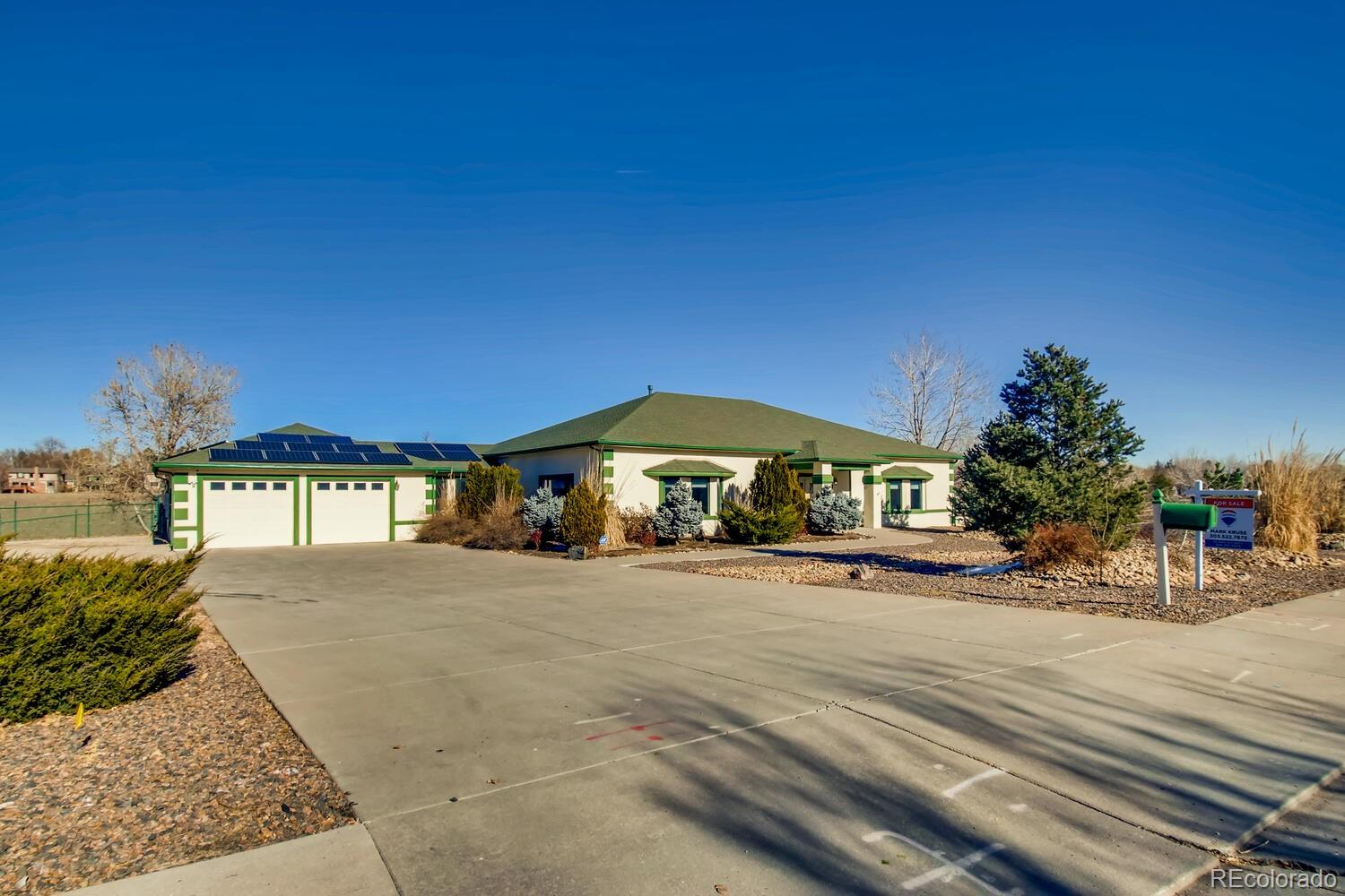 Arvada                                                                      , CO - $875,000