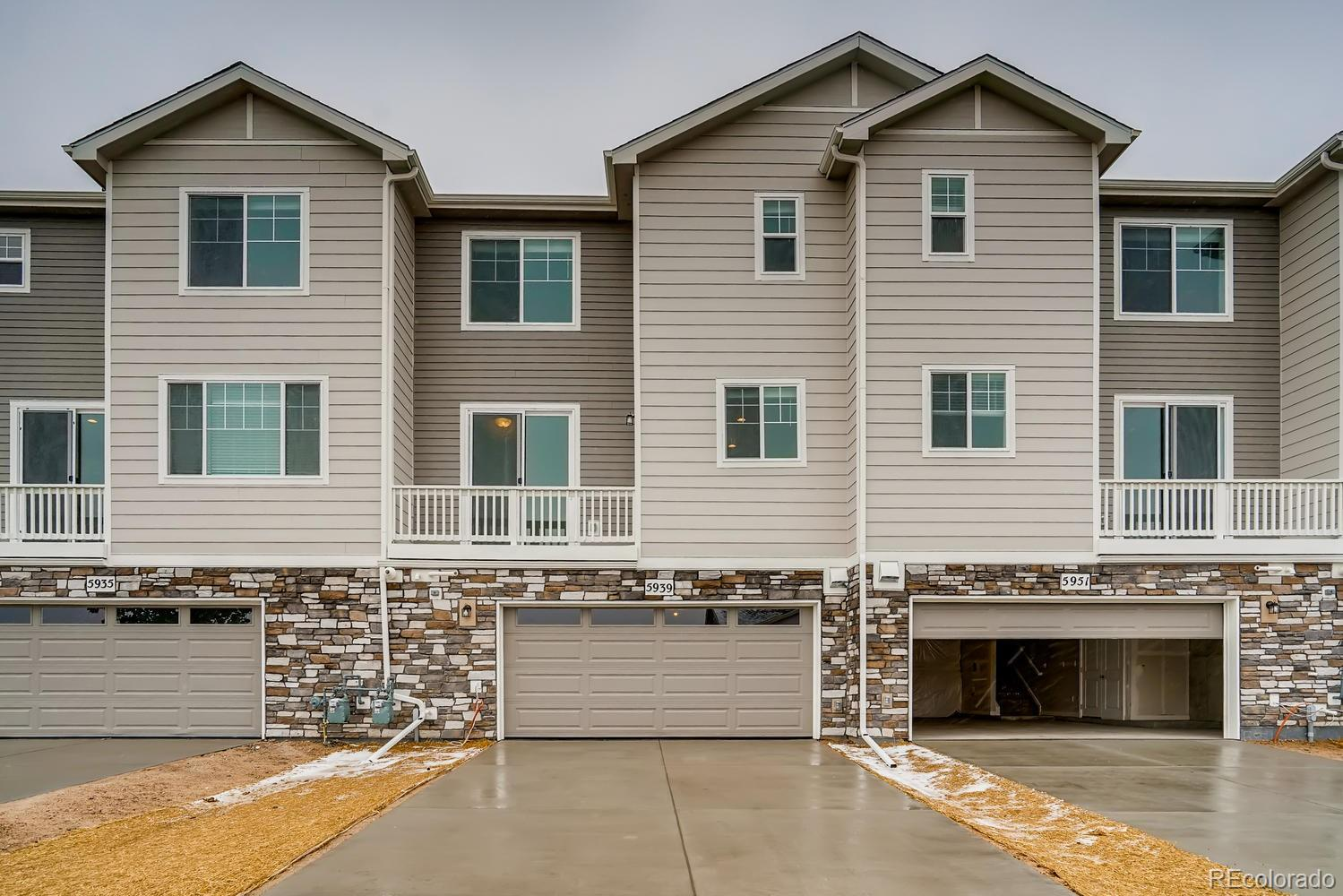 """Luxury Townhome in the heart of Castlerock with an April/May 2021 completion! Photos are from similar home.  The beautiful Berkshire is a 2 bed, 2.5 bath, with oversized attached 2 car garage. Chef's style kitchen includes stainless steel appliances, granite countertops, upgraded cabinets, gas range with hood above, dishwasher, and built-in microwave.  Open floorplan with spacious living area including fireplace, kitchen island, dining space, and is perfect for entertaining.  Wood laminate flooring has been extended throughout entire main level.  Both bedrooms have en-suite bathrooms providing privacy, and making it a great roommate layout or guest suite.  Upstairs laundry conveniently located near both bedrooms.  Includes energy-efficient furnace, A/C, tankless water heater, and 2"""" white blinds. Right outside your back door, you can enjoy miles of walking trails through the beautiful scenery of the nature filled canyons. Don't miss out on living at The Enclave, just moments away from major highways, shopping, dining, award winning Douglas County Schools, and multiple outdoor activities!"""