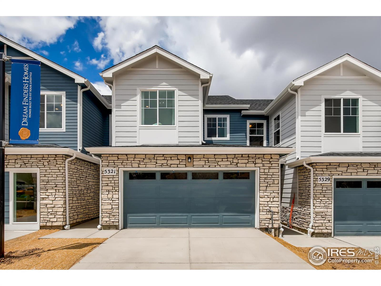 """Luxury Townhome in the heart of Castlerock with a spring 2021 completion! The beautiful Essex is a 3 bed, 2.5 bath, attached 2 car garage, patio, and basement! Includes kitchen with stainless steel appliances, gas range, dishwasher, and built-in microwave. Has a spacious living area, formal dining space, island kitchen, & tile in all wet areas. Includes energy-efficient furnace, A/C, tankless water heater, and 2"""" white blinds. Enjoy living at The Enclave just moments away from major highways, shopping, dining, and multiple outdoor activities! Luxury Townhome in the heart of Castlerock with a spring 2021 completion! The beautiful Essex is a 3 bed, 2.5 bath, with attached 2 car garage, and back patio!  Open floorplan with spacious living area & kitchen island perfect for entertaining."""