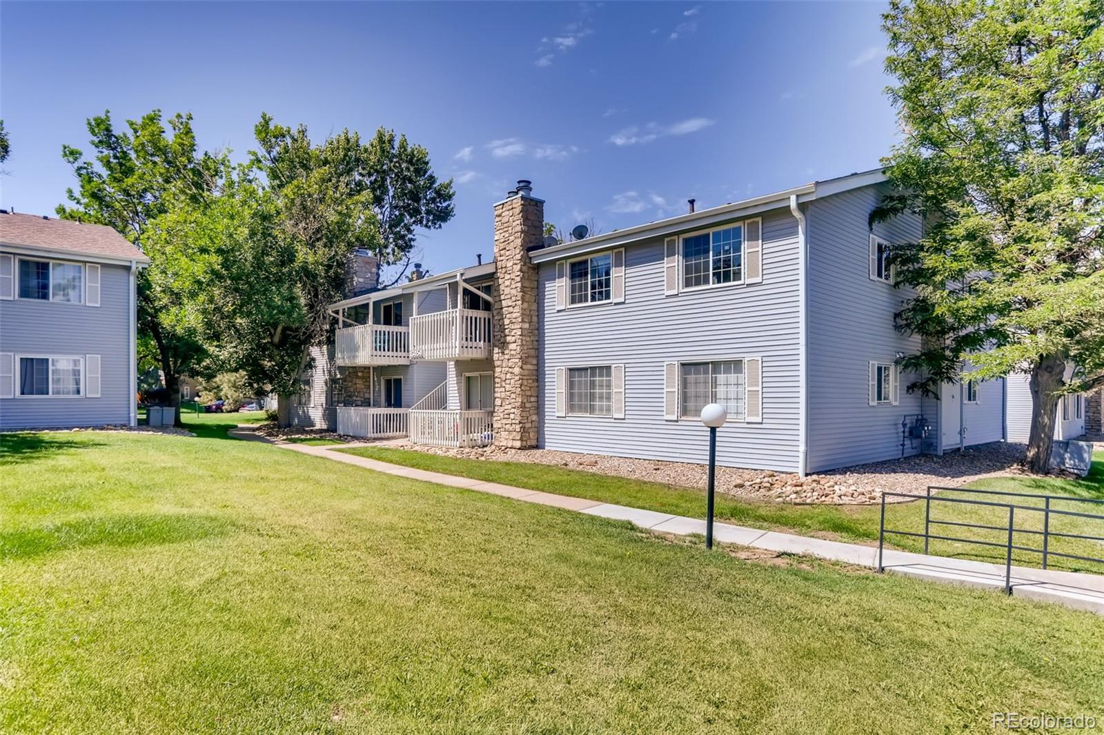 Welcome home to this wonderful ground floor 2 bedroom, 2 bathroom beauty! With all new paint and flooring, this condo is sure to catch your eye. With 2 large bedrooms and a full and 3/4 bathroom this condo is convenient for all. Located off highway 225 next to Jewell Wetlands Park and 15 minutes from Cherry Creek Reservoir, the location is outdoorsman's dream! With a 1 car detached garage and 1 reserved space, this is the perfect starter home. Once you step inside, you will fall in love with this captivating home!