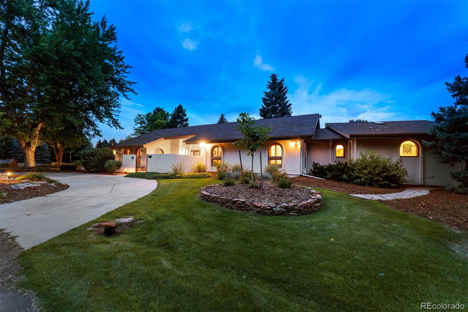 Photo of 1  Meadowbrook Circle, Littleton, CO 80120