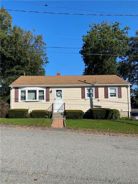 17 S Laurel Avenue E, Warren, RI 02885