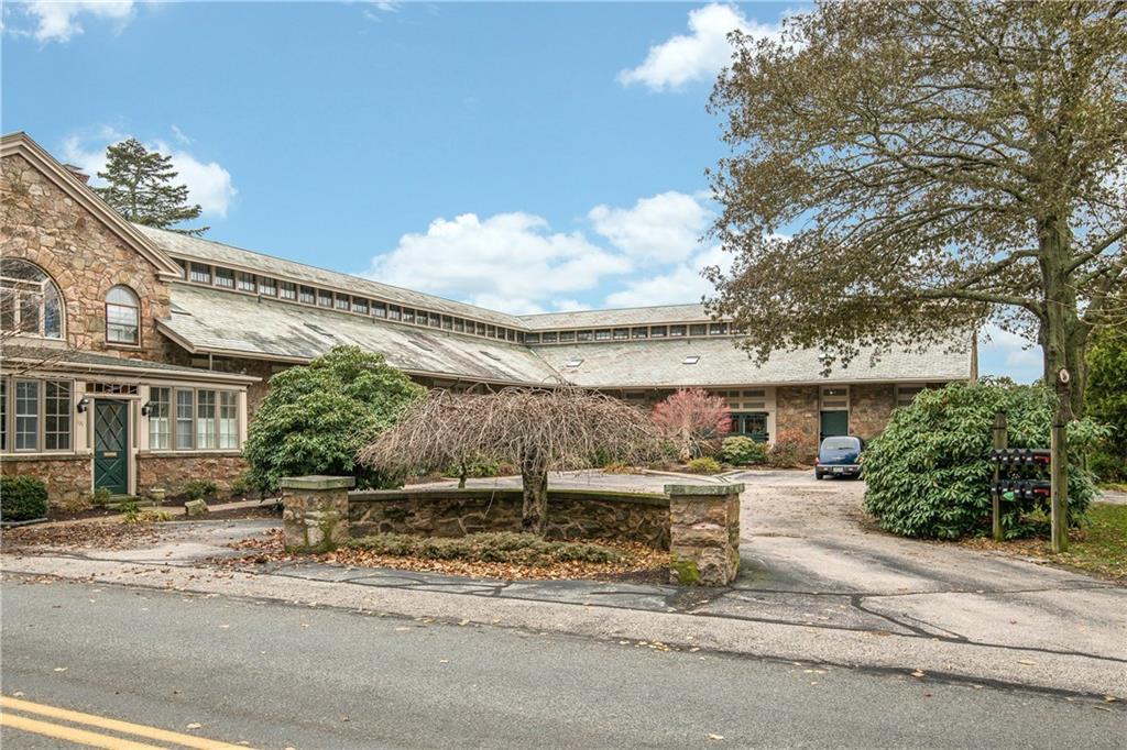 103 Coggeshall Avenue, Newport, RI 02840